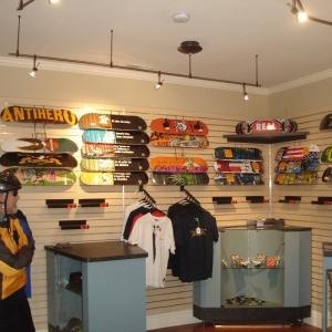 skateboard-store-8a-min