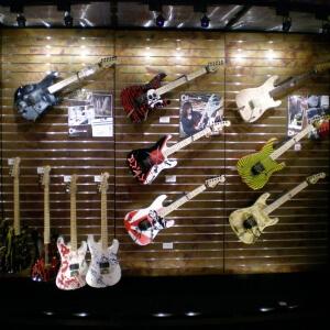 guitar-store-5b-min